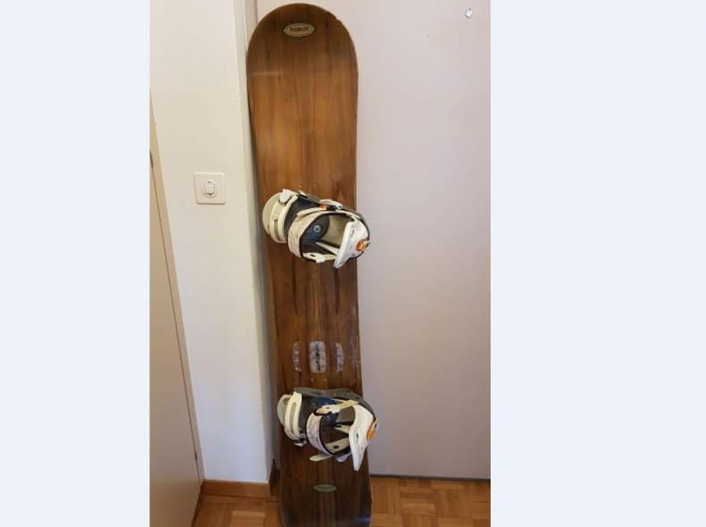 29198 Arbor Snowboard Hawaiian Koa D62