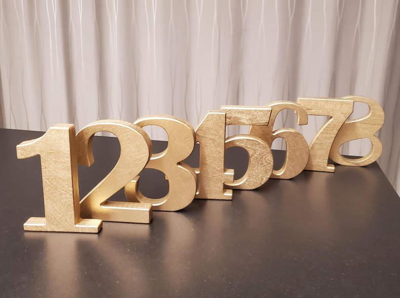 29845 Tischnummern gold aus Holz