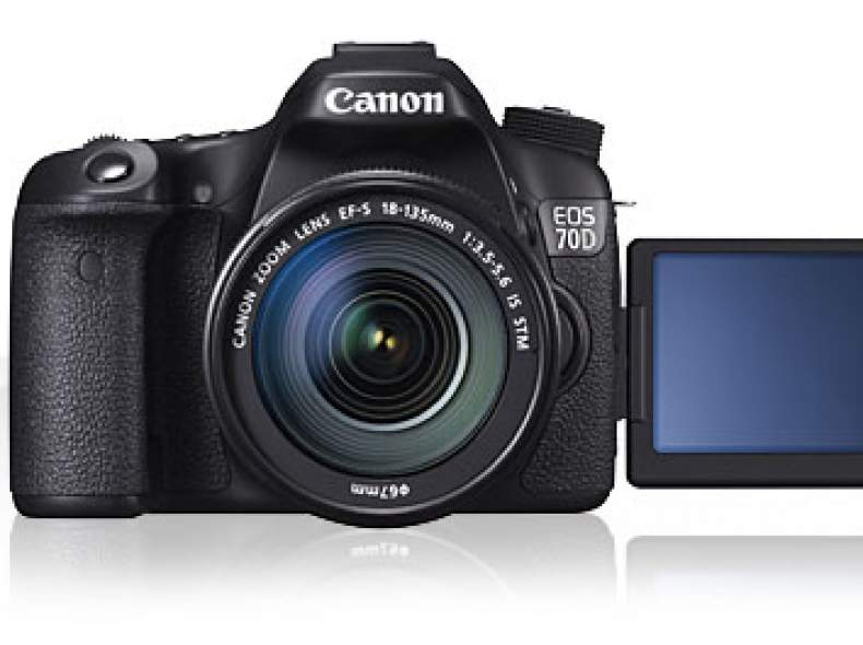 3180 Canon EOS 70D inkl. 18-135mm