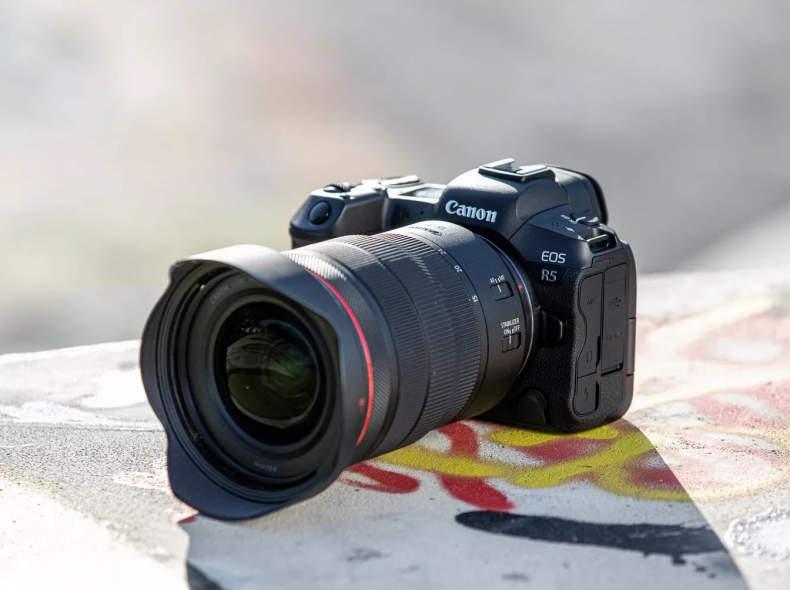 31077 Canon EOS R5 Body + Linsen