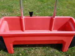 31101 Streuwagen für Dünger und Samen