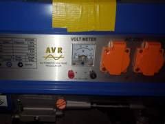 3373 Generator  2800 Watt + Kabelrolle