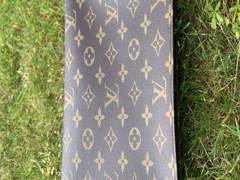 33489 Louis Vuitton Poche Toilette 26