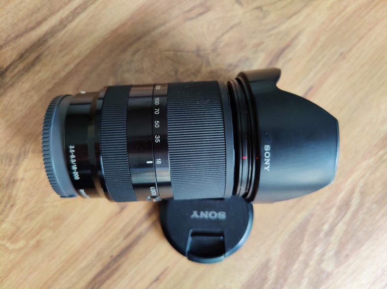 33615 Sony E 18–200mm F3.5–6.3 OSS LE