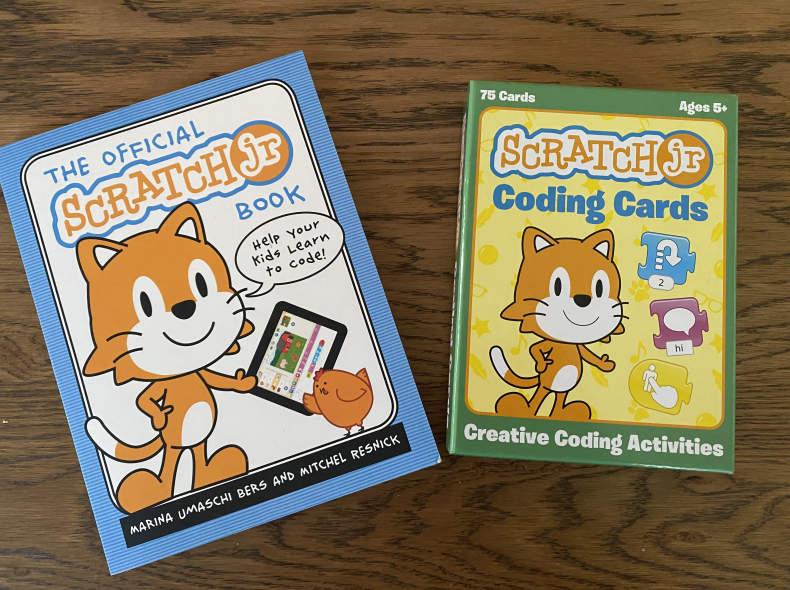 33743 Scratch Jr Buch und Karten